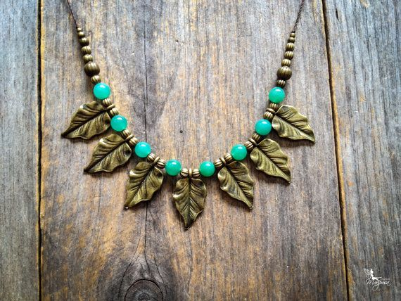 Boho leaf fan necklace with Aventurine beads You will receive the necklace seen in the pictures, it is ready to ship !  ◄ Lithotherapy ► Green aventurine : Abundance, prosperity Chakra : Heart  Dimensions Stone beads : 8mm (0.03) Leaf Charms : 3.1 x 1.8 cm (1.3 x 0.7) Adjustable length on sliding knot  Original design by Creations Mariposa, all rights reserved.  *Shops Policies* Please read about shipping details and shop policies before purchasing, it is in the tab above titled Shipping…