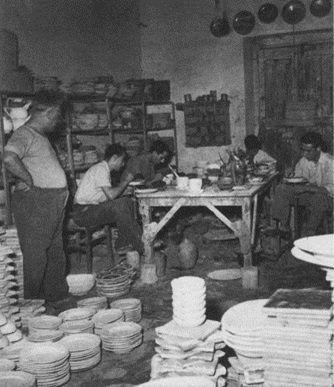 #Historyof #ceramicafrancescodemaio | sala decorazione Giuseppe Cassetta