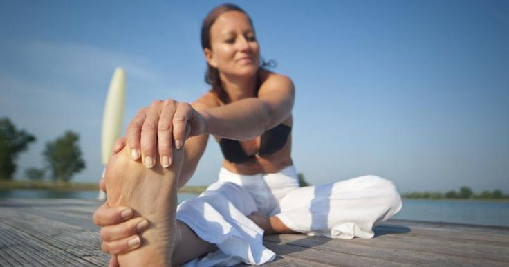 When toes are normal, they extend straight out and have a natural slight downward curvature. But when hammer toes develop, they're bent at the middle joint; this generally occurs in the second, third or fourth toe. Hammer toes develop as a result of improper footwear in conjunction with the fact that the muscles in the toes can't stretch out. One...