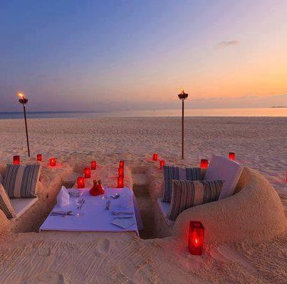 beautiful n romantic date idea... This would feel like a dream to me!