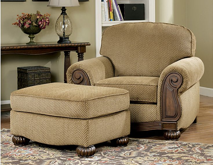Lynnwood Traditional Living Room Furniture Set by Ashley