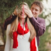 beautiful proposal idea. Maybe not hanging on the christmas tree for me, but I love the idea of capturing the moment.