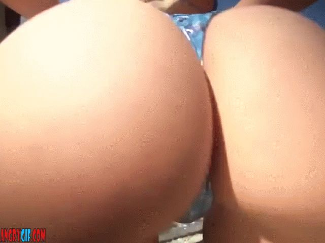 bubble ass blonde