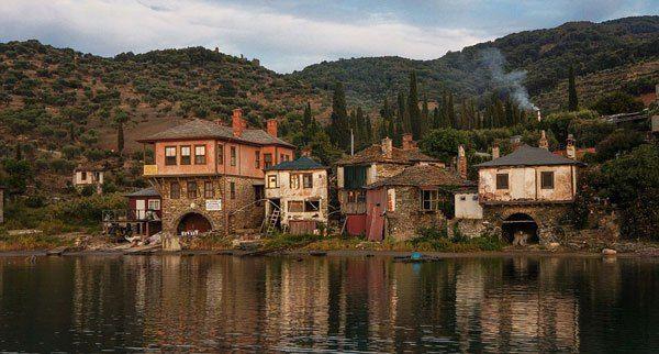 Εν Ελλάδι: Τα υπέροχα χωριά του Αγίου Όρους!