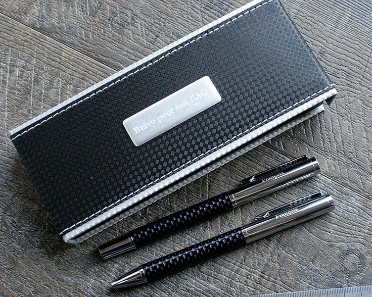Parure de stylos gravés