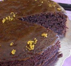 ΖΟΥΜΕΡΟ ΚΕΙΚ ΠΟΡΤΟΚΑΛΙ - ΣΟΚΟΛΑΤΑ Ένα κέικ με έντονο άρωμα πορτοκαλιού