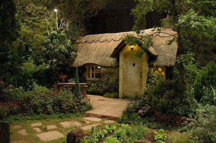 Cottage @ Chelsea Flower Show?Summer House, Little House, Tiny Cottages, Hobbit House, Tiny Home, Little Cottages, Small Cottages, Cottages Home, Fairies Tales