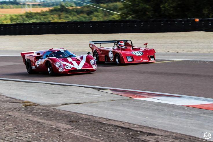 #Lola #T70 vs #Abarth #Osella #PA1 à la Dijon Motors Cup Reportage complet : http://newsdanciennes.com/2015/10/05/grand-format-dijon-motors-cup-gt-protos/ #Classic_Car #Cars #Vintage #Voiture #Ancienne