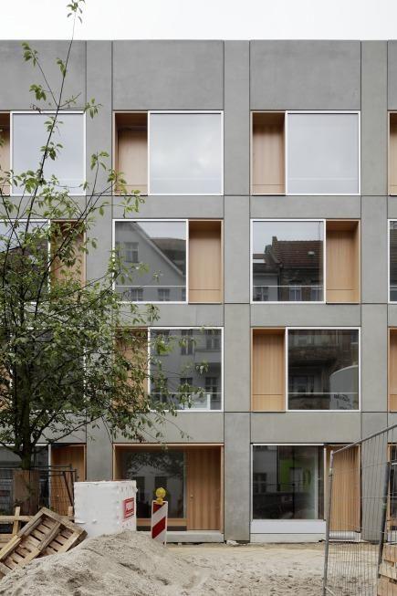 Baugruppenprojekt BIGyard Zelterstraße 5-11 . Berlin    zanderroth architekten . © Fotos: Christoph Rokitta  . + heinze     E ine Wohnanlage...