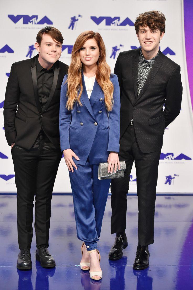 O que as estrelas vestiram na maior noite da MTV.