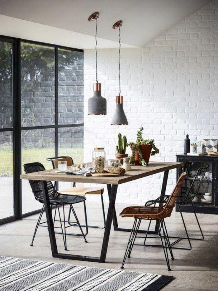 table manger 4 personnes rectangulaire en bois clair tapis rayures blanc noir