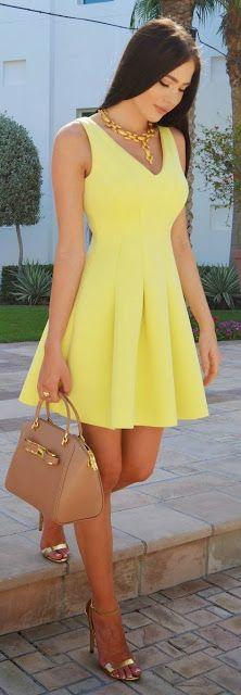 vestido amarelo curto e rodado