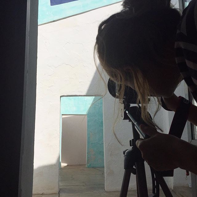 Sofia photographing @companhiadasculturas - exclusive behind the scenes.   #ecohotel #algarve #portugal  At joandso.com LinkInBio © Photo by @joandso