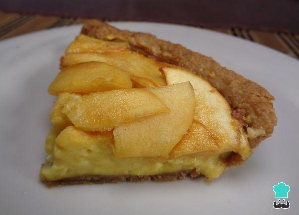 Aprende a preparar tarta de manzana con crema pastelera y base de galleta con esta rica y fácil receta. La tarta de manzana es uno de los postres clásicos que...