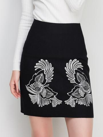 Boutique Embroidery Floral Bodycon Slim Fit Skirt Bottoms