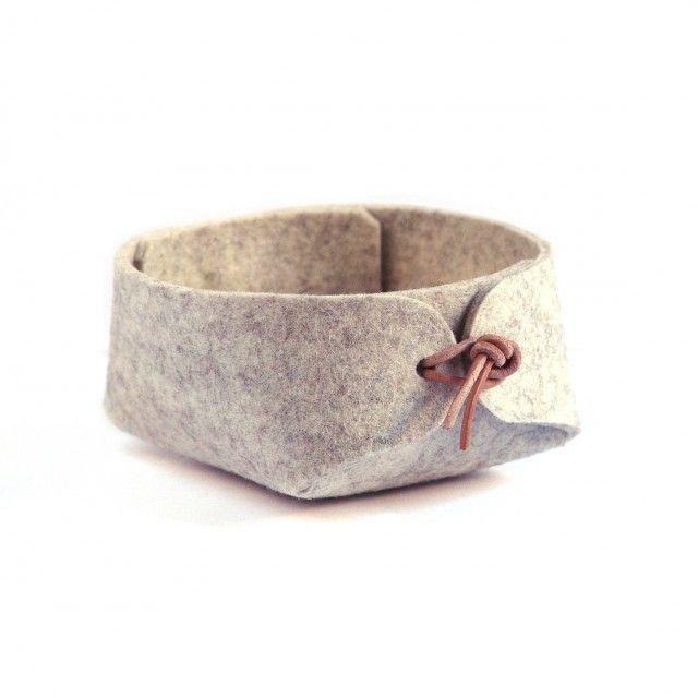 String medium grå - felt organizer with leather ties