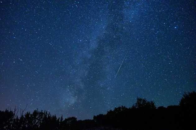 Perseidy - dziś w nocy maksimum roju meteorów - co powinien wiedzieć fotografujący