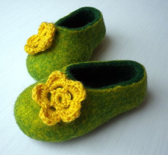 Felted wool slippers for girls with crochet flower / Home shoes / green / yellow on Etsy, $35.00