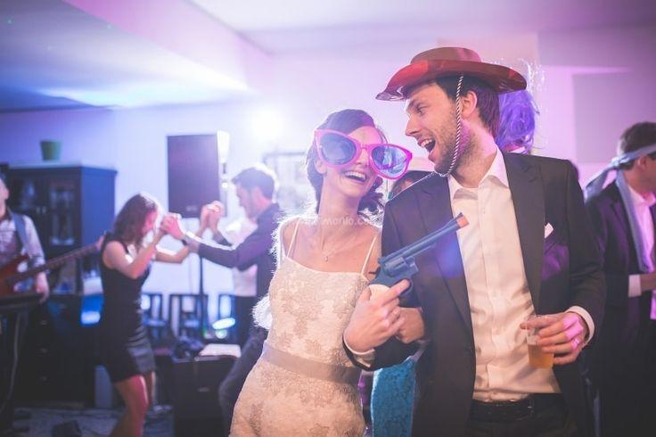Il giorno del vostro matrimonio vorrete sicuramente che la festa sia eccezionale. Ecco a voi alcuni suggerimenti per far sì che duri fino all'alba.