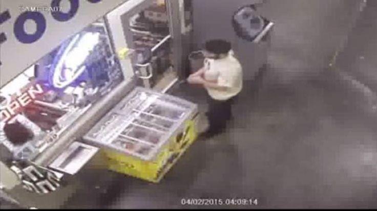 Κλέφτης κλέβει Ψυγείο με παγωτά κάτω από τη μύτη του υπαλλήλου