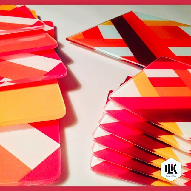 Individuales, portavasos y portacaliente, todo un kit para tu hogar. #olikcreative #design #diseño #home #decor #pattern #graphicdesign #style #lifestyle #color #photo #photooftheday #instagood #like #product #hechoamano #homedecor #colombia #bogota #glass #acrilico