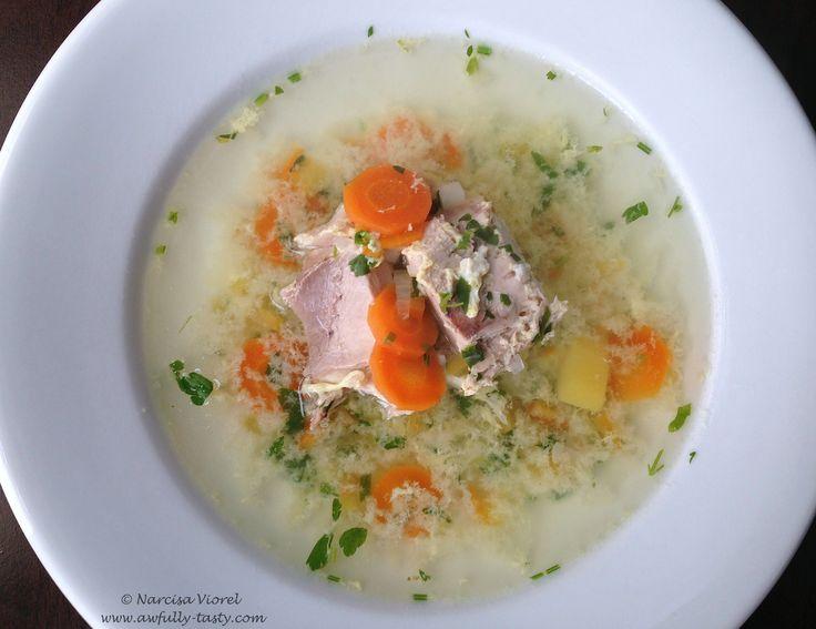 Ciorba din piept de cocos cu legume.  Rooster breast soup with vegetables.