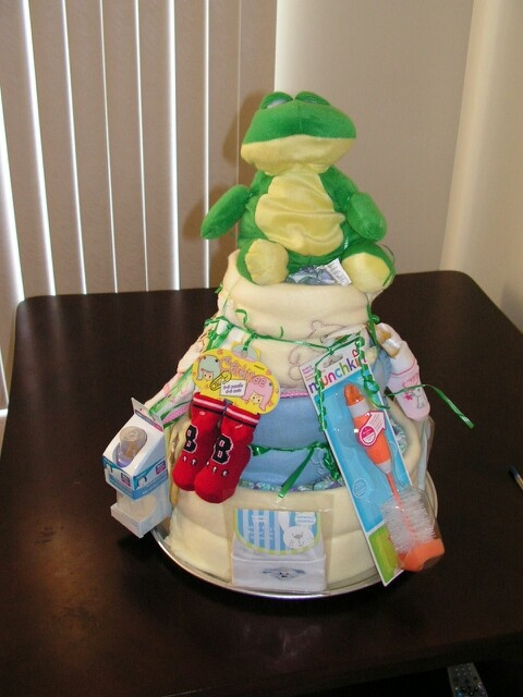 3tiered diaper cake (front view)