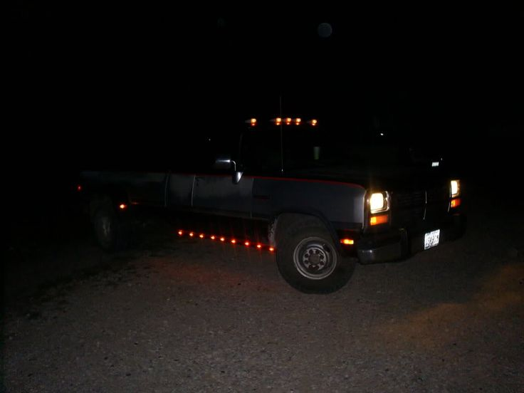pickup truck running lights