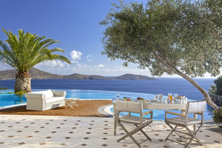 Elounda Gulf Villas & Suites, Crete - Sleep from 2 - 8. With blissful views over the Gulf of Mirabello, these luxury villas on Crete combine the facilities and services of a deluxe resort with the welcoming ambience of a select boutique hotel.