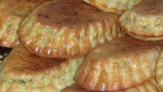 Cuketové muffiny se zakysanou smetanou a česnekem! Připravené rychle za 20 minut! | Vychytávkov