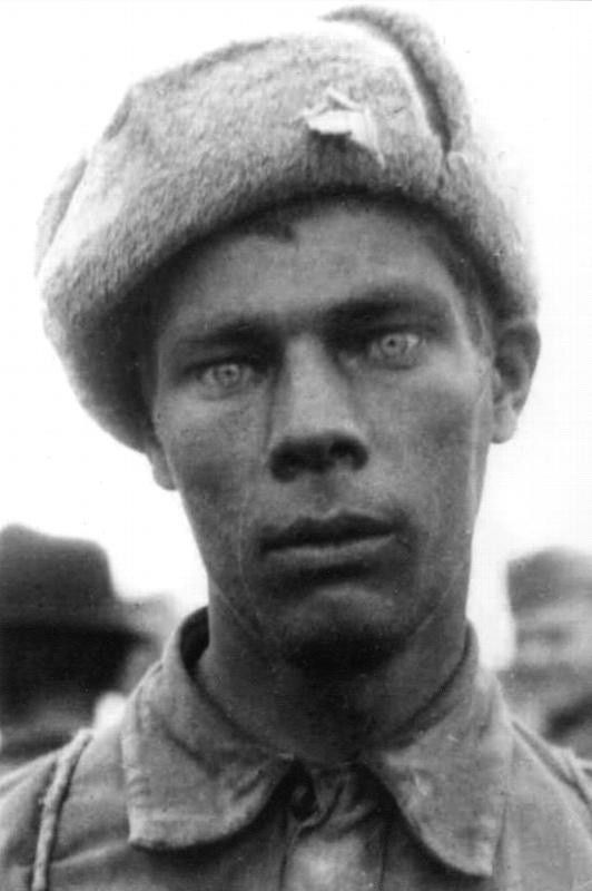Thousand-yard stare. Combatants get this after 2-3 days of non-stop combat. Sometimes, only after a few hours. - Imgur