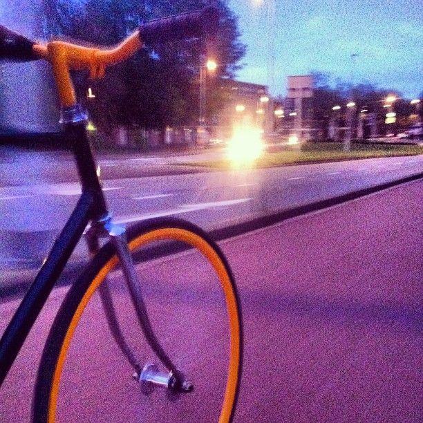 .@// Bijdevleet // | ... Another shot while riding ... #fixedgear #rotterdam #west #surly #1978frame | Webstagram - the best Instagram viewer