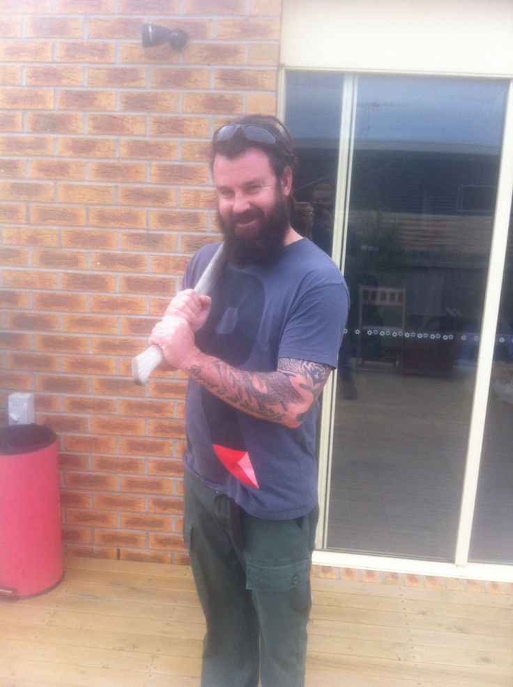 Our Razortownie of the week, Mr Bryce, is sporting the manliest man-beard ever... Where you going with that axe???
