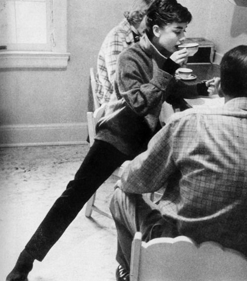 Audrey Hepburn having breakfast, 1953. Photo by Mark Shaw #the2bandits #banditbabes
