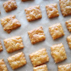 cooking ala mel: Homemade Cheez Its