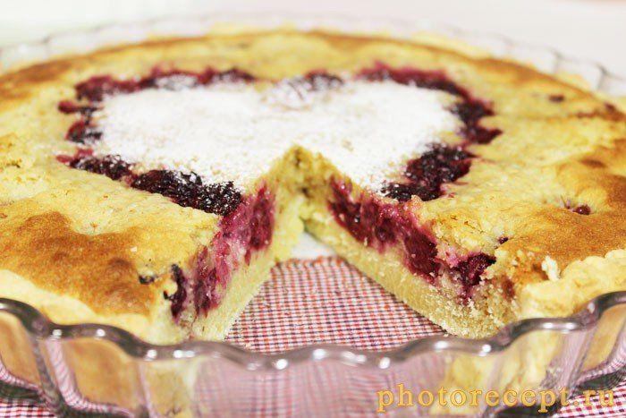 Пирог с ежевикой и творогом