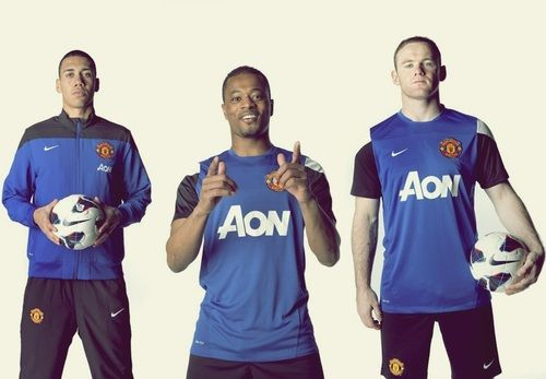 Smalling x Evra x Rooney in Manchester United 2013/14 training kit