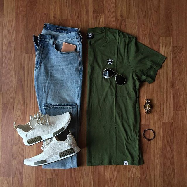 Street Casual in this Stylish Grid by @grant_michaels_  🔻  Follow 👉 @stylishgridgame 👈  🔻  💻www.StylishGridGame.com💻  🔻  Brands ⤵️  🔹️T-Shirt: @dontbelievethebs  🔹️Jeans: @pacsun  🔹️Shoes: @adidas × @champssports  🔹️Watch: @originalgrain  🔹️Sunglasses: @sprezzabox  :small_b