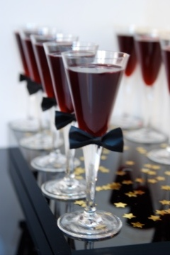 drinks with black ties..so cute.