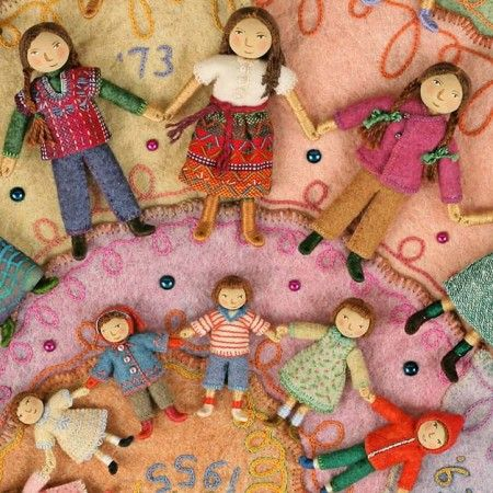 This probably doesn't go under hand embroidery, but it has so many things going, didn't know where to put it. This woman amazes me.: Wee Folk, Dolls Felted, Felt Dolls, Salley Mavor, Self Portraits, Bendy Dolls, Weefolk