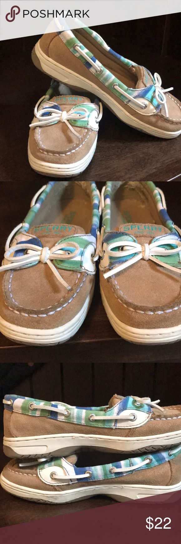 🆕 Sperry Angelfish boat shoes These classic Sperry Angelfish boat shoes have a tan shimmer base with a blue, green & white trim.  Darling for spring & summer days.  My daughter had a huge growth spurt so these are still in very good used condition.  There is some wear to the inner heel and to the insteps of the right shoe (shown in photos), but otherwise look nearly new.  Size 2.5. Sperry Shoes