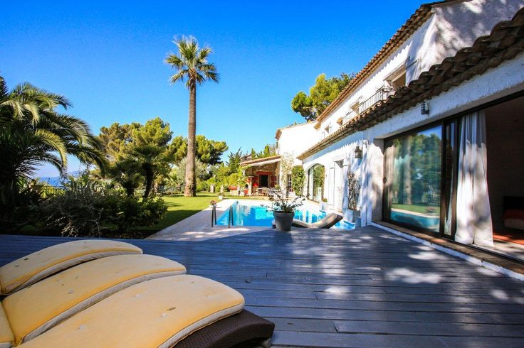 Cannes Californie substantial property views over the town sea Esterels Mountains Lerins Islands, 5 mins from centre Cannes. #cannes #croisette #property #propertyporn #realty #realestate #hermitage #hermitageriviera #carlton #majestic #festivaldecannes #cannesfilm #luxuryrealestate #luxurylife #seaview #frenchriviera #riviera #cotedazur #pool #azur #bastide #countryhouse #elegance