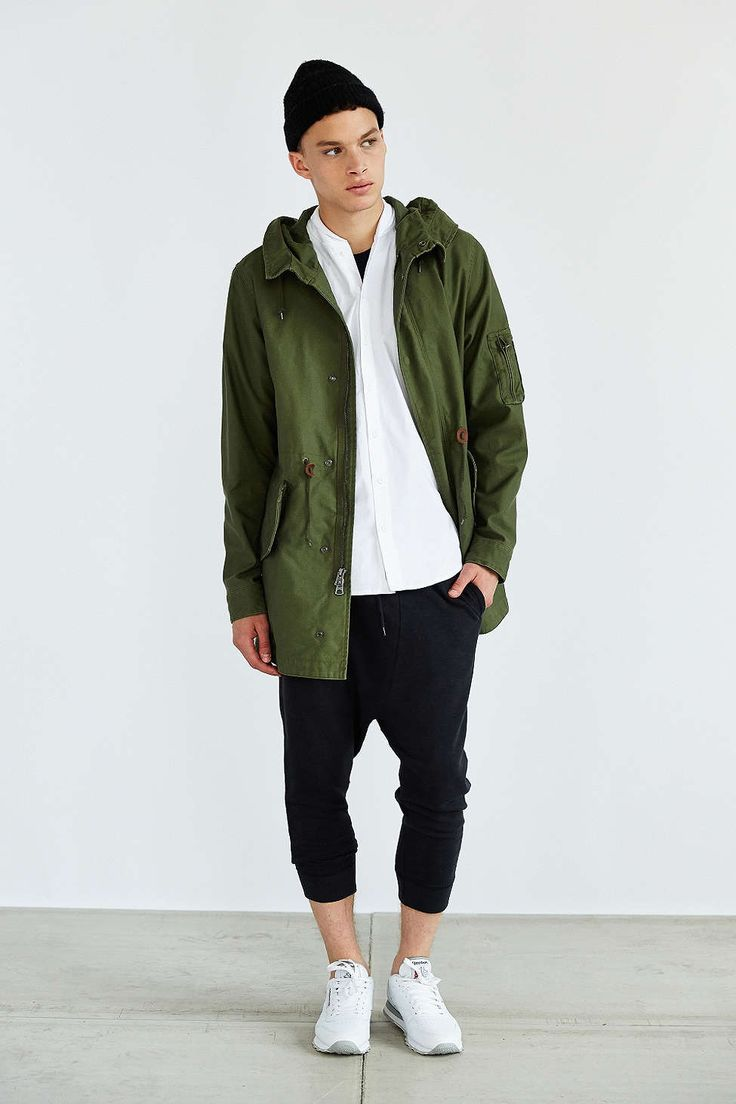 Alpha Industries X UO Long Fishtail Parka