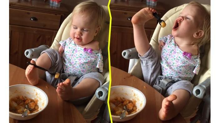 Mengharukan! Tak Memiliki Tangan, Gadis Kecil Ini Berusahan Makan dengan Kaki, Ini Videonya