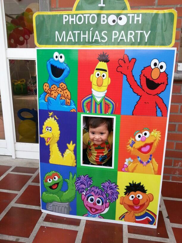 1er cumpleaños kids party ideas 1st sesame street plaza sesamo 1st birtdhay  cumpleaños numero uno cabina de fotos photo booth elmo sesame street party ideas