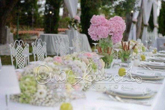Come in un giardino incantato, sotto l'albero dell'amore per festeggiare il giorno più bello!