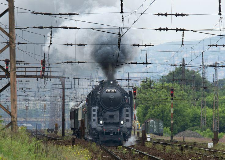 Series locomotive No. 424 No.: 1 by potihu on 500px