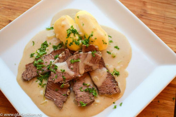 Ferskt kjøtt og løksaus - Norsk tradisjonsmat som varmer i kulda