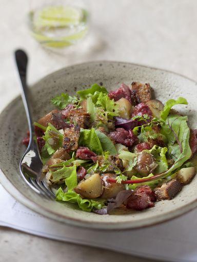 Salade de gésiers maison. Plat du jour Restaurant Le Saint-Hubert de Briare (Loiret, Loire Valley, Région Centre, France). http://www.lesainthubert.com/blog/?p=3781