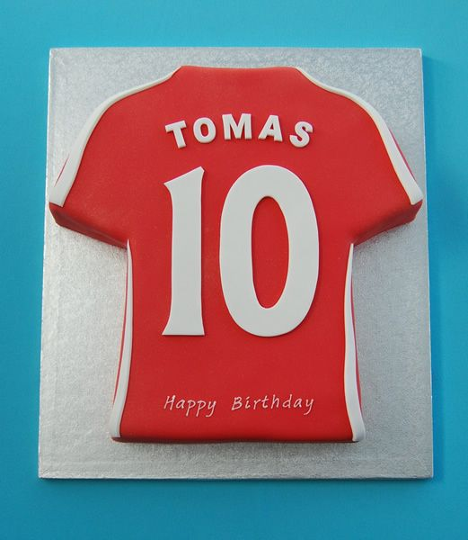 Cake Decorating Football Shirt : Best 20+ Shirt cake ideas on Pinterest Men cake, Man ...